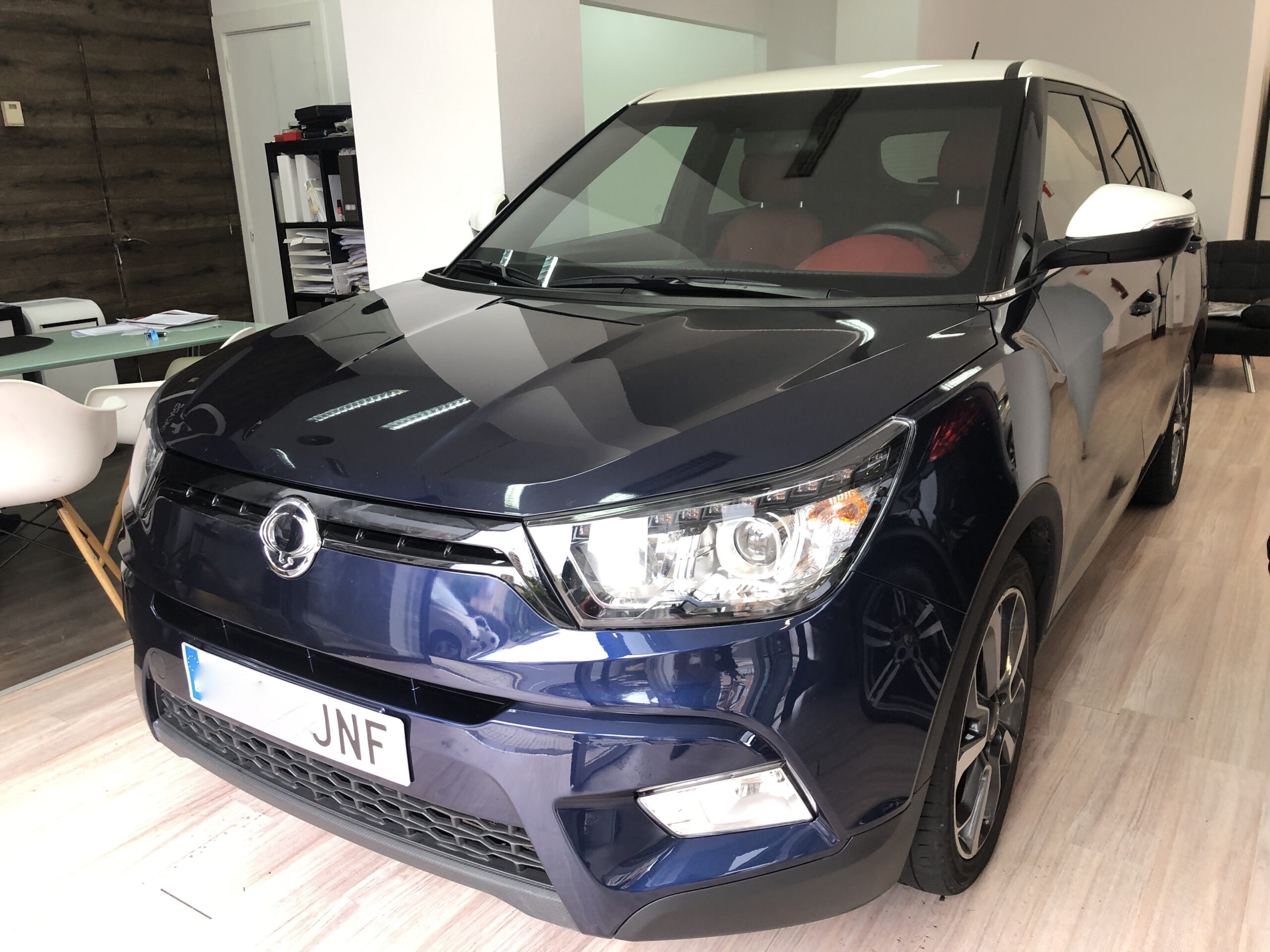 SSANGYONG TIVOLI D16T LIMITED RED EDITION 4WD  15950€